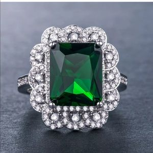 Jewelry - New gorgeous princess cut emerald ring 925 stamped